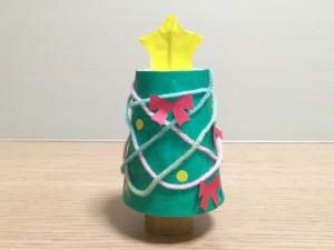 紙コップとトイレットペーパーの芯で簡単工作!手作りクリスマスツリー