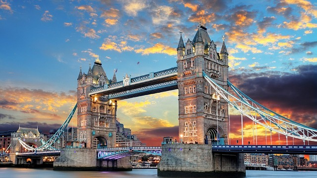 tower-bridge-1237288_640